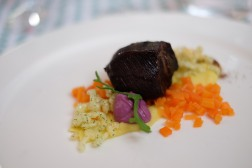 Cheek of veal with bio carrots by Gilbert Welter (K116)
